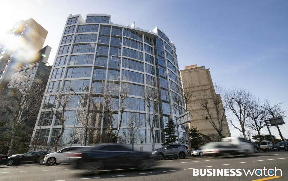 서울 청담동의 더펜트하우스청담(PH129)이 '2021년 전국 공동주택 공시가격'에 최고가를 기록했다. 평당 1억 3200만원. /사진=이명근 기자 qwe123@